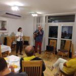 Přijela i zpěvačka Maruška s doprovodem